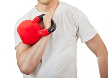 Avec des Kettlebells, la technique doit être parfaite au risque de se blesser.