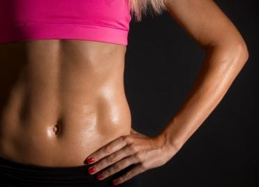 """Le ventre est l'une des zones du corps qui se """"dessine"""" le plus facilement."""