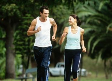la course à pied permet de libérer plus d'endorphines, des hormones anti-stress.